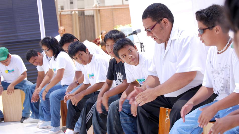 Entérate cuáles son los talleres con ritmo peruano