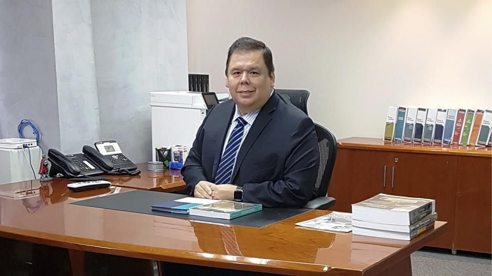 ERNESTO CUADROS TENORIO – Vpdte. de Administración, Finanzas y Contraloría, Grupo ATV