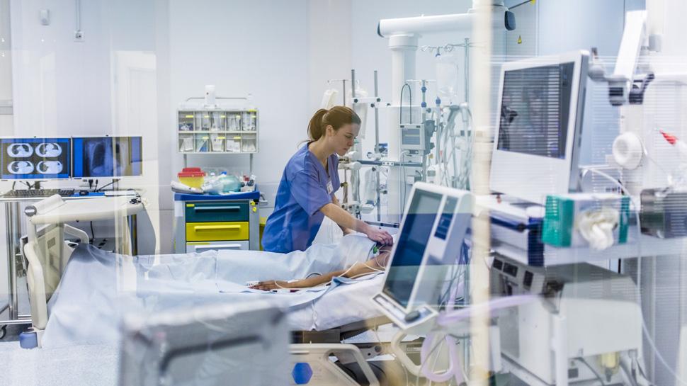 Conoce los equipos tecnológicos de las clínicas privadas