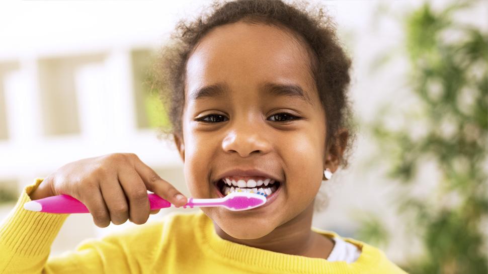 Sigue estos 6 consejos y aprende a cuidar tu salud dental
